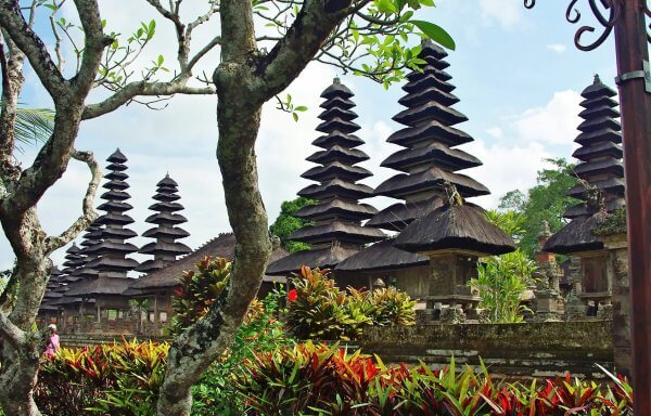 Bali Tanah Lot Sunset Tour, Bedugul & Tanah Lot Sunset Bali Tour